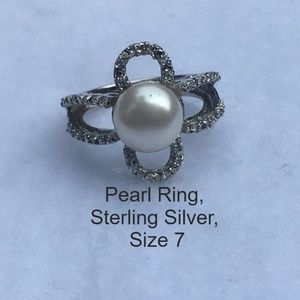 Jewelry - Pearl Ring Set in Sterling Silver Size 7